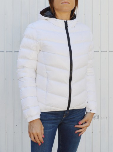 ULTRA-GOSSY HOODED BOMBER JACKET