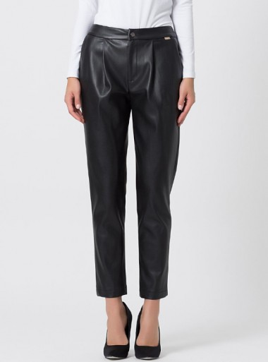 FAUX LEATHER TROUSERS WITH PINCES Batuch