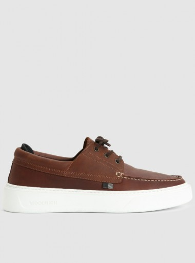 WATER-REPELLENT LEATHER BOAT SHOES