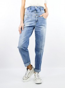 "HIGH WAIST JEANS WITH BUTTONS AND BELT ""MATAR"""